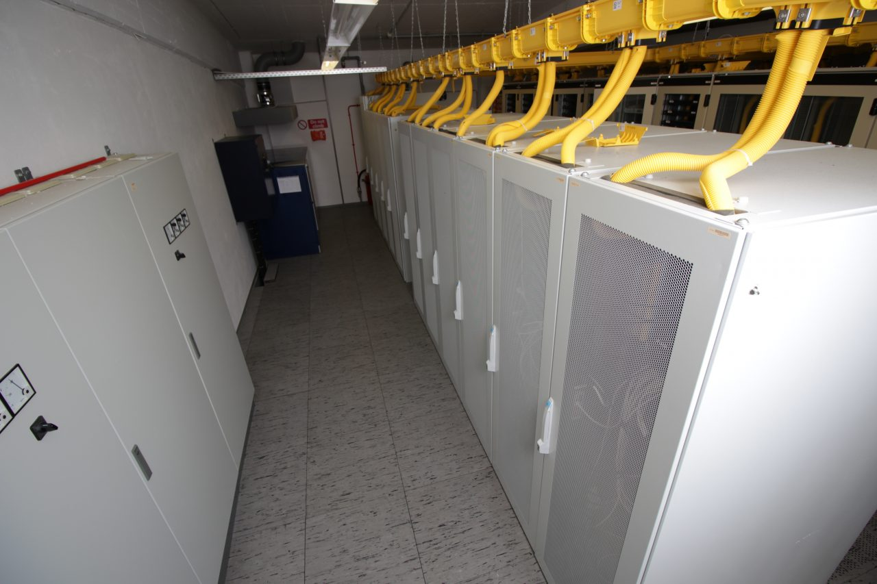 20200630_Data Center©PLUTEX GmbH